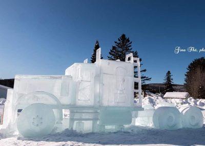 Photo Gina Thé - sculpture sur glace Camion- Festival St-Côme en Glace 2020